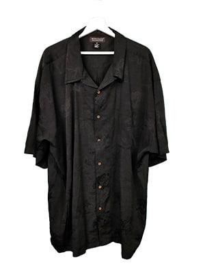 Camisa hawaiana negra